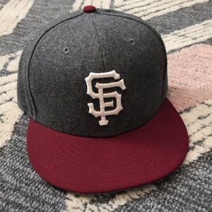 New Era SF giants hat size 7 3/8ths